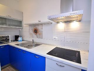 Comfortable apartment near the sea  2+2 Umag F1