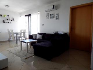 New luxury apartment near the sea in Zambratija
