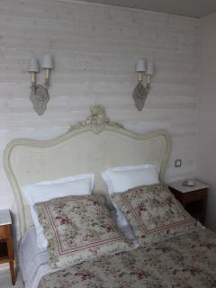 Chambre parentale du gîte du Figuier - lit 140 x 190