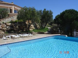 Provencal villa with splendid views of the sea