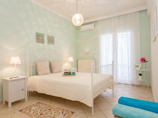 Cozy apt in front of the sea, Galatas