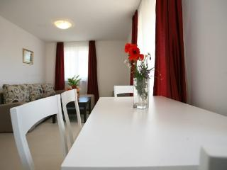 Apartment 1, Umag