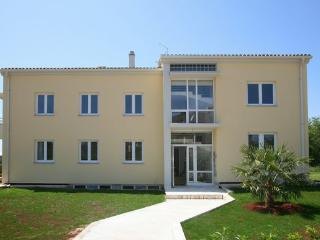 Apartment 6, Umag