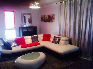 Appartement t2 meublés , hyper centre de floirac dans petite copropriété