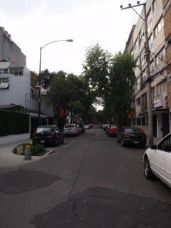 Vista de la  calle del edificio