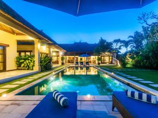 4 Bedrooms - Villa Santai - Central Seminyak