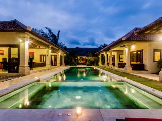 4 Bedrooms - Villa Santi - Central Seminyak