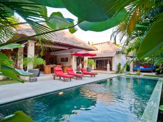 3 Bedrooms - Villa Olive - Central Seminyak