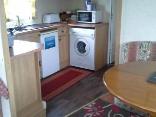 Butlins  skegness  3 bedroom caravan private owner