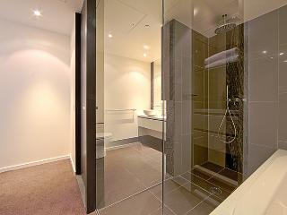 Accommodate Canberra - The apARTments 1301