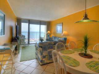 Pelican Watch 302 -Reduced- Oceanfront- 2 Bed-Pool, Carolina Beach