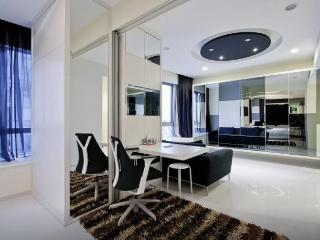 One Shenton Apartment, Singapore