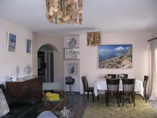 St Lazarus 3 bed apartment, Larnaka City
