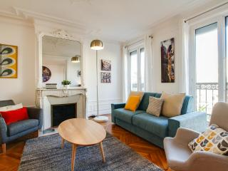 G08660 - Cute and fully renovated 2BR ELYSEE