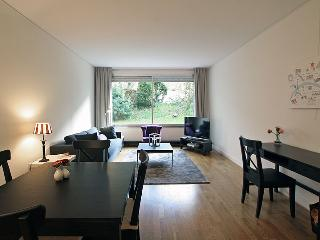 G16435 Pleasant 1 bedroom in the 16th, Parijs