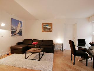 G16462 - 2 bedroom/2 bath APT - Trocadero