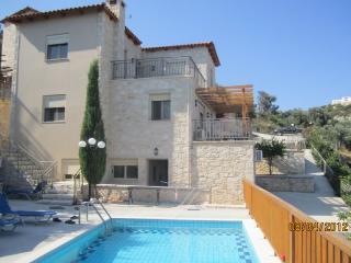Villa Asteri 2390, Maroulas