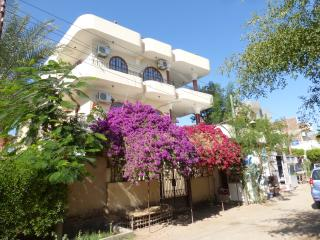 Hagag Appartments Rentals Ground floor 4 pax, Luxor