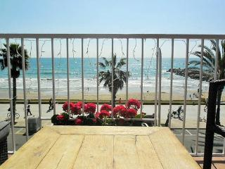 MAGNIFICENT 3BED APARTMENT, Sitges