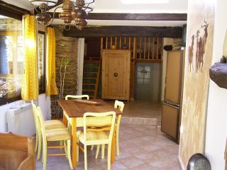Wohnraum und Küchenzeile