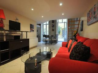 Appartement atypique 4-5 personnes, patio, Cannes
