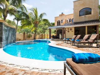 *Villa La Vida Loca*5BR Luxury* Private Pool&Roof