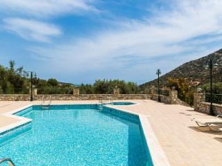 Villa Argyro, sea side retreat!