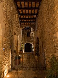 vicolo privato di ingresso alla Corte della Residenza La Corte Assisi B&B