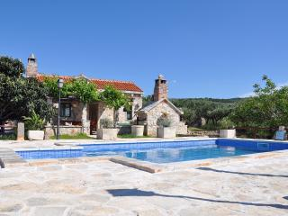 Holiday House Villa Gabelot with Pool, Supetar