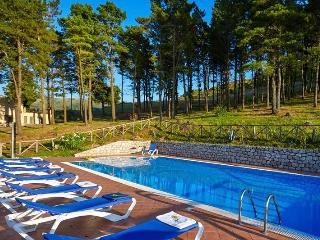 La collina dei Nebrodi con piscina