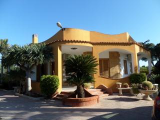 Villa Amarcord, Fontane Bianche villetta a 400 metri dal mare
