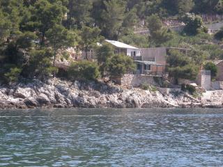 House Lena Hvar Robinson tourism