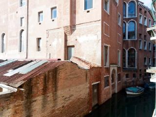 New Rachel1 apartment 75m2 10min Rialto Wifi, Venice