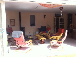 Grande maison à 800 m de la mer piscine privée sec, Martigues
