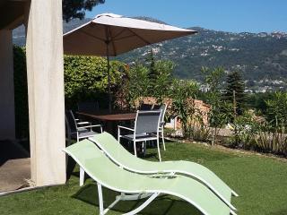 agréable maison jumelée 20 mn aéroport de Nice, Carros