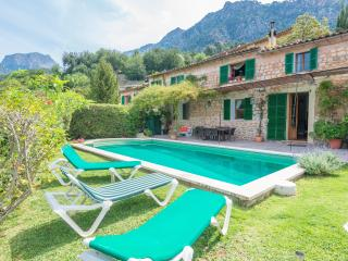 CAS PATRO LAU - Villa for 8 people in FORNALUTX