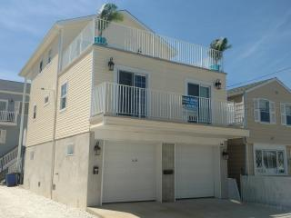 Bada Bing Shore House - 1 year old 4 BR / 2 Stone Bath's sleeps 12 w Sundeck, Seaside Heights