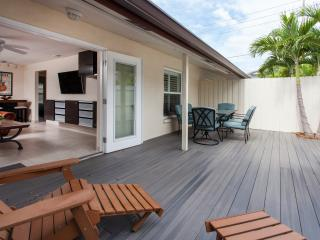 Beach Retreat II in Quaint Indian Rocks Beach!!
