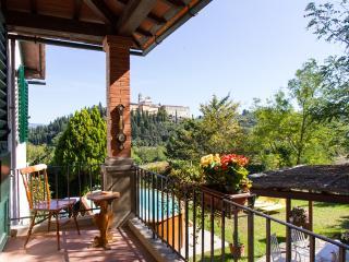 Dimora tipica toscana con giardino e piscina