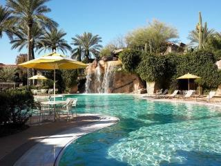 Sheraton Desert Oasis: 1-BR Sleeps 4, Full Kitchen, Scottsdale