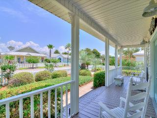 Periwinkle Cottage-3BR- OPEN 9/26-9/28 $674! Walk to Beach-1 level-Fun Pass