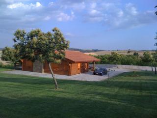 Casa em madeira, na montanha., Braganca