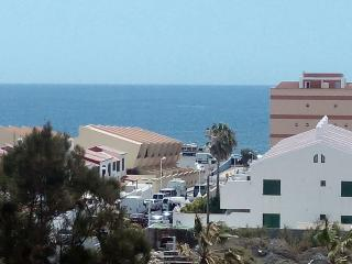 NICE, NEW APARTMENT WITH SEA VIEW, El Medano