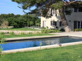 Le Mas Theotime, impressive, newly renovated house, Lourmarin