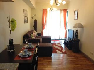 Cozy Unit J very near Manila Bay