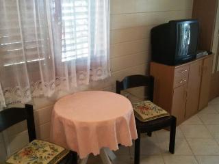Apartment 9594