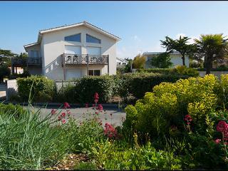 T2 en rez de jardin face a la plage d'Aytre (50 m)