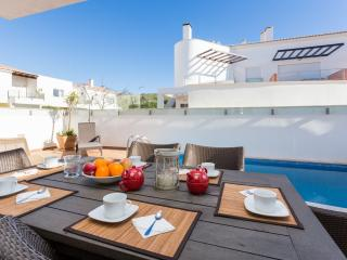 Luxury Villa with pool 150m from the beach - Wifi, Burgau
