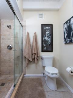 Master Bedroom Glass Enclosed Shower
