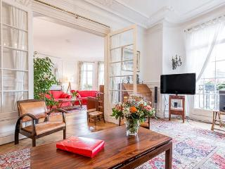 Elegant apartment for 5 in 15th district
